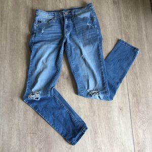 Kancan distressed skinny  jeans. Light/medium wash